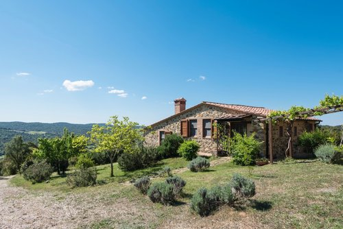Stone farmhouse, in a very panoramic and natural position - Monterotondo Marittimo