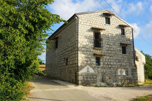 Ancient stone farmhouse, a journey back in time - Sant'Agata De' Goti