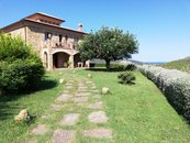 La Villa - Agriturismo Charming Country House with 0KM Restaurant