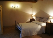 La Cicala e La Formica - app.to - Agriturismo Charming country houses in Marche landscape