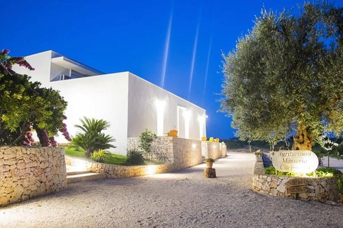 Farmhouse in apulian countryside with typical restaurant - Ostuni