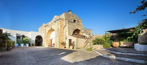 An extraordinary 18th century fortified farmhouse - Alessano