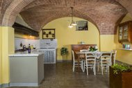 Cantina Holiday Home - Agriturismo Charming Farmhouse next to san Gimignano