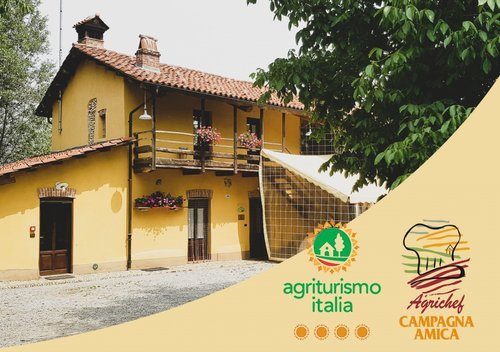 Pumpkin Blossoms - authentic farmhouse surrounded by greenery - Fossano
