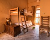 Due camere comunicanti - Agriturismo Farm with lot of animals, pool and restaurant...